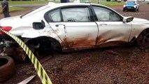 Motorista bate BMW em muro e depois causa transtorno em rodovia