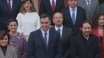 Pedro Sánchez reúne a sus ministros por primera vez