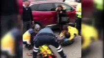 Çekicinin kaldırdığı araçtan düştüğü öne sürülen kadın yaralandı