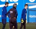 لقطة: كرة قدم: سيتين يشرف على الحصّة التدريبيّة الأولى لبرشلونة
