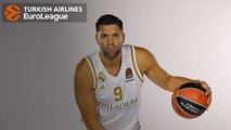 Reyes reaches 3,000-point club