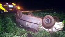 Mãe e filha se envolvem em acidente que resultou em capotamento na PR-486 em Cascavel