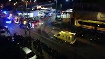 Un autobús se queda sin frenos y embiste contra una gasolinera y varios vehículos estacionados en Estella