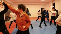 Kadına şiddete karşı yakın savunma eğitimi