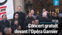 Un concert gratuit sur les marches de l'Opéra Garnier