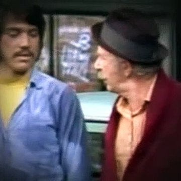 Chico & Man S1E06 (E Pluribus Used Car)