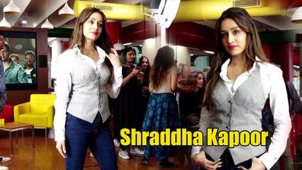 Shraddha Kapoor And Varun Dhawan Cute Moments At Street Dance 3d Promotion At Radio Station