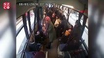 Halk otobüsü otomobile çarptı; yolcular yere savruldu