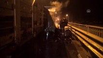 Antalya'da lastiği patlayan tırda yangın çıktı