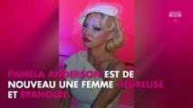Pamela Anderson heureuse, elle s'est mariée en secret