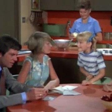 Brady Bunch Season 3 Episode 14 The Teeter-Totter Caper