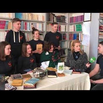 Wake Up/ Të riparosh librat me qëndisma dhe metrazhe, nisma e të rinjve në Durrës