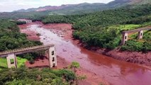 عجلة الحياة متوقفة في مدينة برازيلية بعد سنة على كارثة انهيار سد