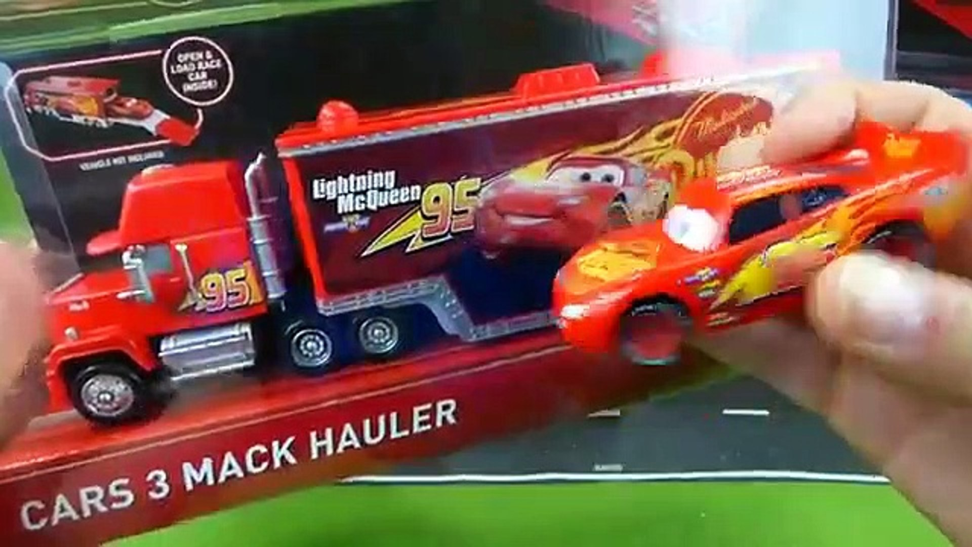 Disney Cars 3 Toys Mack Lightning Mcqueen Bobby Swift Dinoco Cal