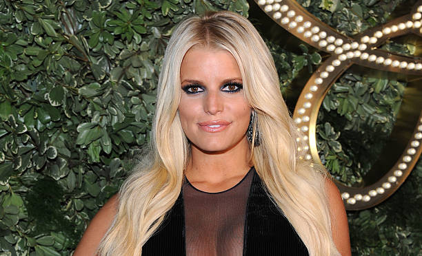 Jessica Simpson Reveals Alcohol and Pill Addiction in New Memoir