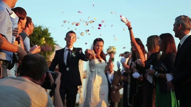 These Wedding Traditions Are Disappearing