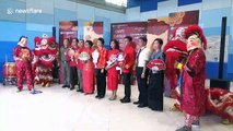 Chinese tourists welcomed at Bangkok airport for New Year celebration