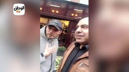 مواطن مصري يلقن المقاول الهارب محمد علي درساً في هولندا