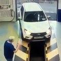 La pire entrée d'une voiture dans un garage_