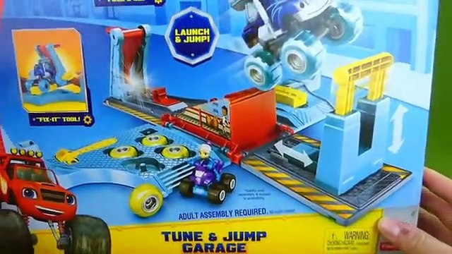 Blaze and the Monster Machines Toys Crusher Tune and Jump Garage Pickle Tires Mix and Match Playset