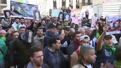 الحراك الشعبي في الجزائر يعد بمواصلة التظاهرات