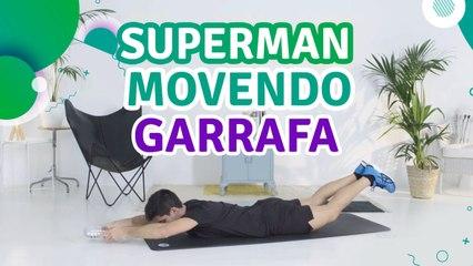 Superman movendo garrafa - Sou Fitness