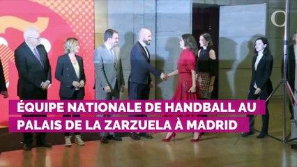 Letizia d'Espagne étrenne une nouvelle robe de sa créatrice fétiche
