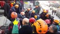 Mustafa Paşa Mahallesi'nde enkaz altından bir kişi çıkarıldı - Süleyman Soylu (2)