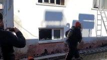 İki katlı ahşap evde çıkan yangın itfaiye ekiplerince söndürüldü