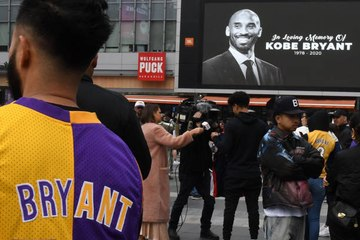 The World Pays Tribute to Kobe Bryant and his Daughter