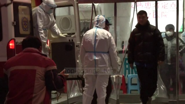 E përditësuar/ 80 të vdekur dhe 2700 raste me koronavirus në Kinë