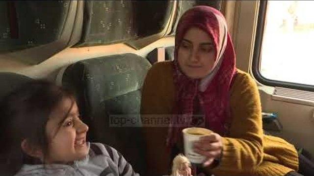Tërmeti në Turqi, të mbijetuarit strehohen në trena