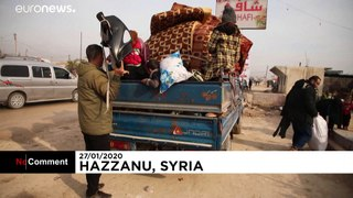 Hundreds of Syrian civilians flee fighting south of Idlib province