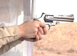 Shooting the New Colt Python