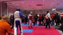 Il claque un gros KO à son adversaire en Taekwondo !