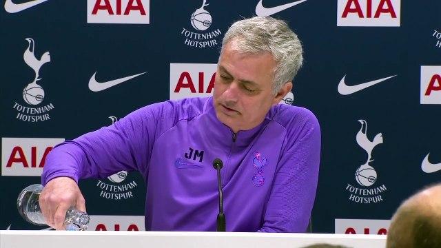 Le nouveau show de José Mourinho devant les journalistes