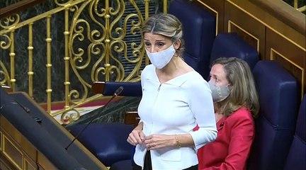 Ojos en blanco y suspiros: Yolanda Díaz desencaja a Calviño con la reforma laboral
