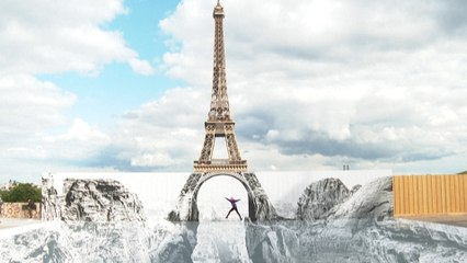 JR offre une vue spectaculaire sur la tour Eiffel