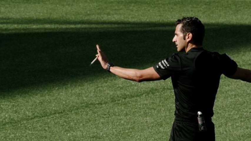 Listening In on the Tough Calls a FIFA Referee Must Make