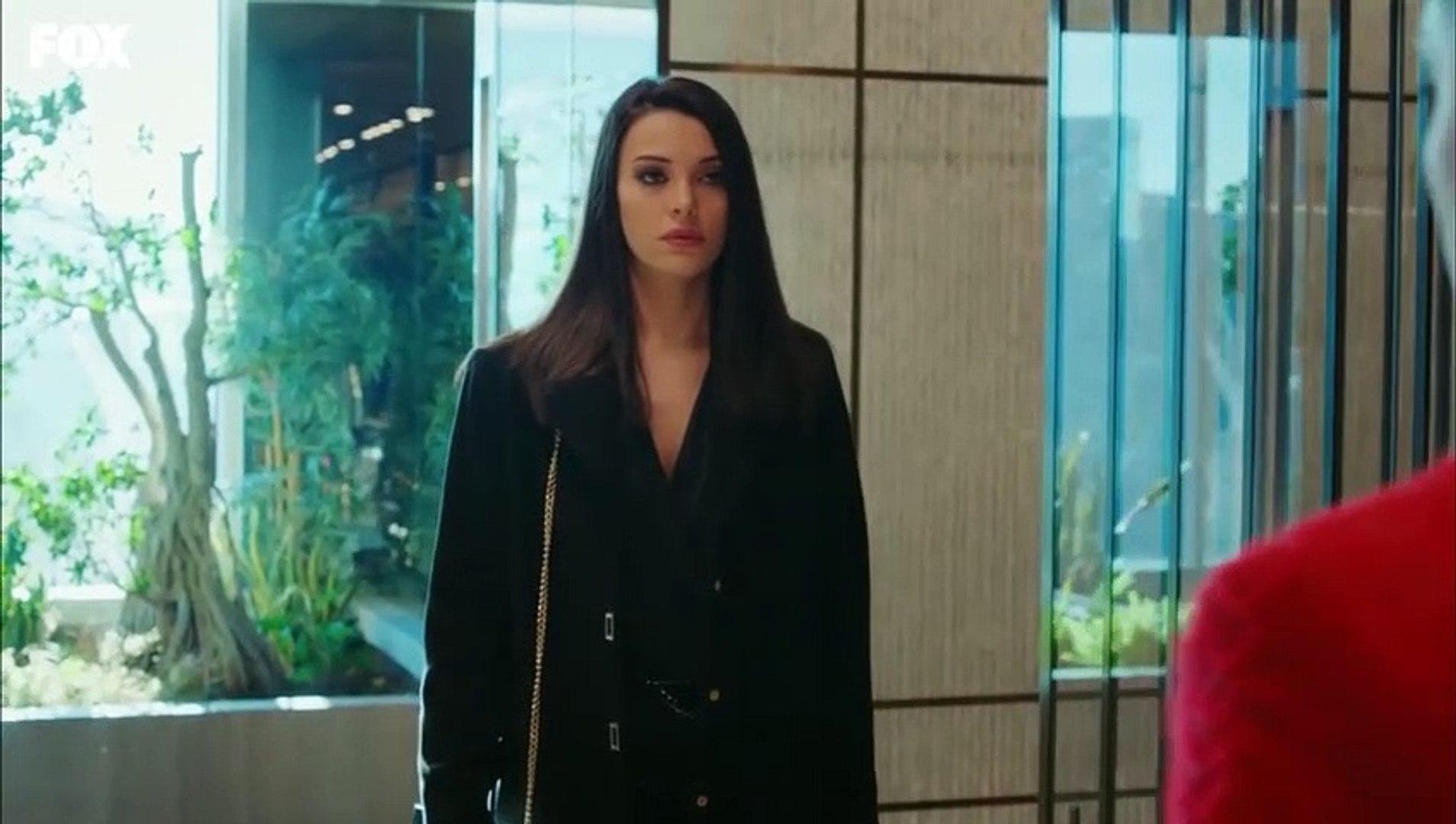 Yasak Elma dizisinde Yıldız'ın Leyla'ya saldırdığı sahne Twitter'da trend oldu