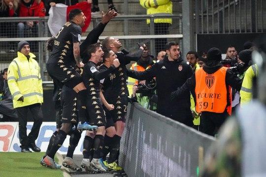 Onze Demande - AS Monaco : Slimani doit-il être titulaire ?