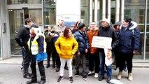 Manifestation d'une vingtaine d'handicapés devant la MDPH à Besançon