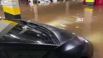 Sa Lamborghini Huracán prise au piège dans l'inondation d'un parking !