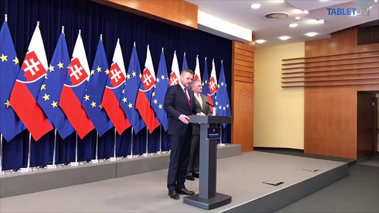 ZÁZNAM: Brífing premiéra P. Pellegriniho a ministra práce J. Richtera