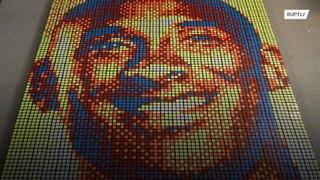 لوحة من مكعبات الروبيك لنجم كرة السلة