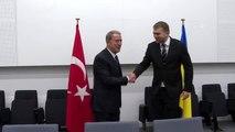 Bakan Akar, Ukrayna Savunma Bakanı Andriy Zagorodnyuk ile görüştü