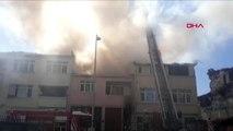 Fatih'te 2 katlı binada yangın