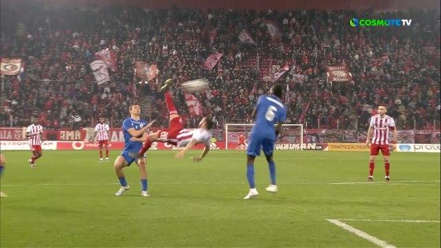 Le match totalement fou de Mathieu Valbeuna, sauveur de l'Olympiacos