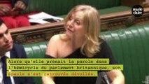 Une parlementaire britannique insultée pour une épaule dénudée