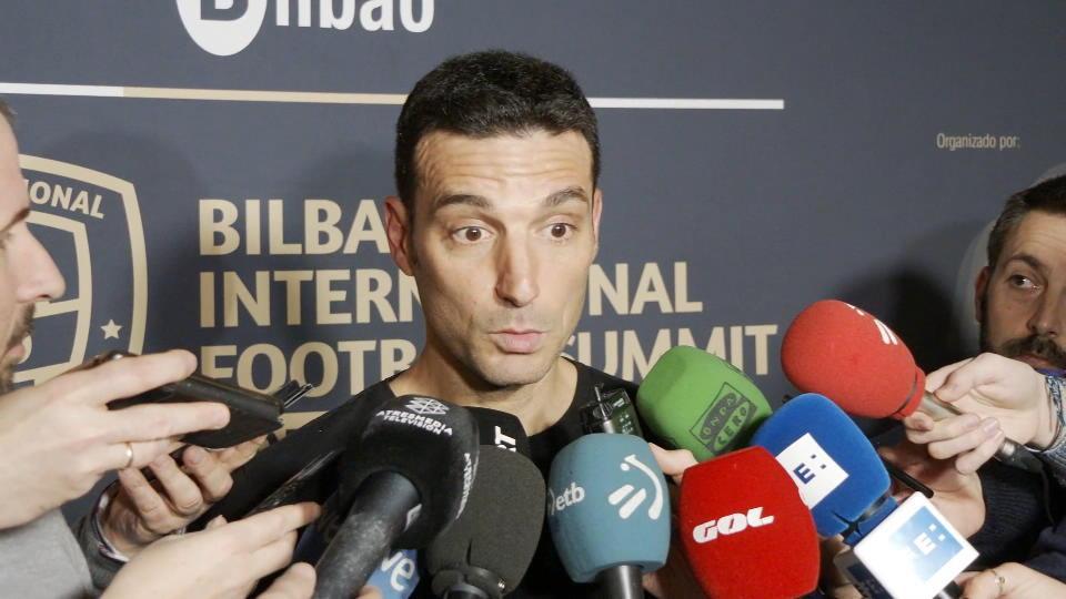 Messi comfortable at Barca - Argentina coach Scaloni